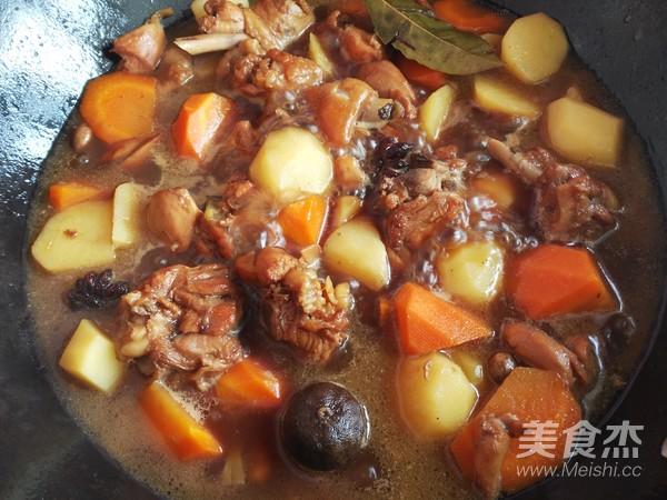 土豆胡萝卜焖鸡块怎样做