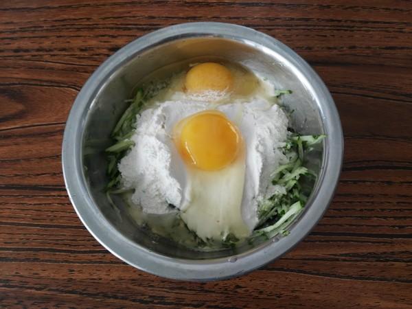 黄瓜丝鸡蛋饼的家常做法