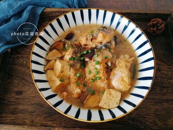 香菇豆腐炖草鱼怎么煸
