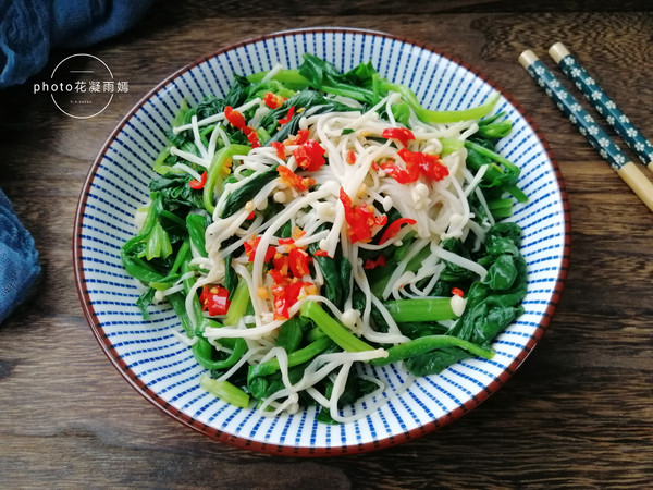 菠菜拌金针菇怎么炒