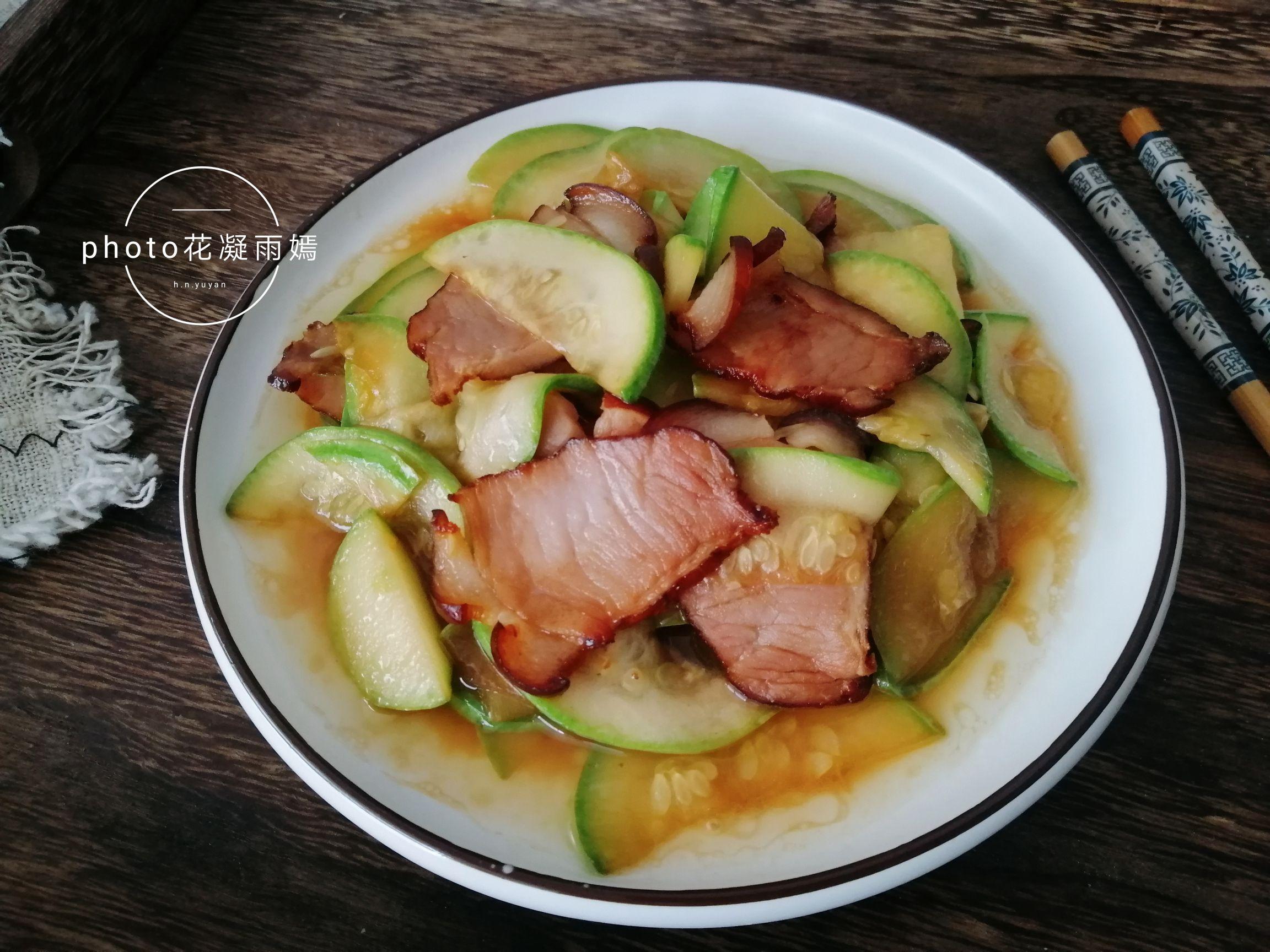 西葫芦炒腊肉怎么炒