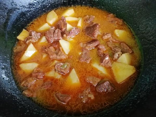 牛肉炖土豆怎么炖