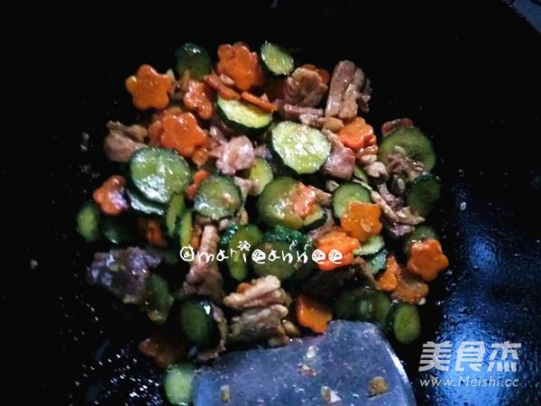 黄瓜胡萝卜炒肉片怎么煮