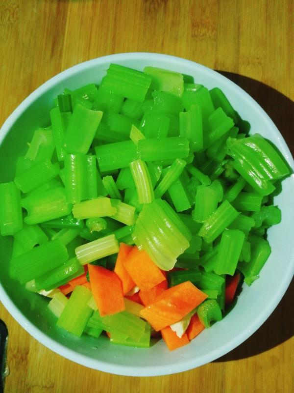 凉拌芹菜腐竹怎么吃