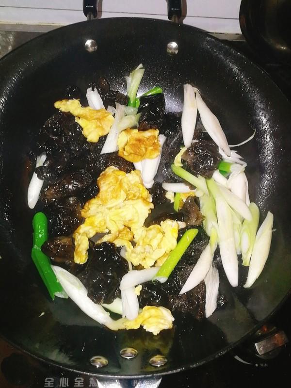 葱香木耳鸡蛋怎么吃