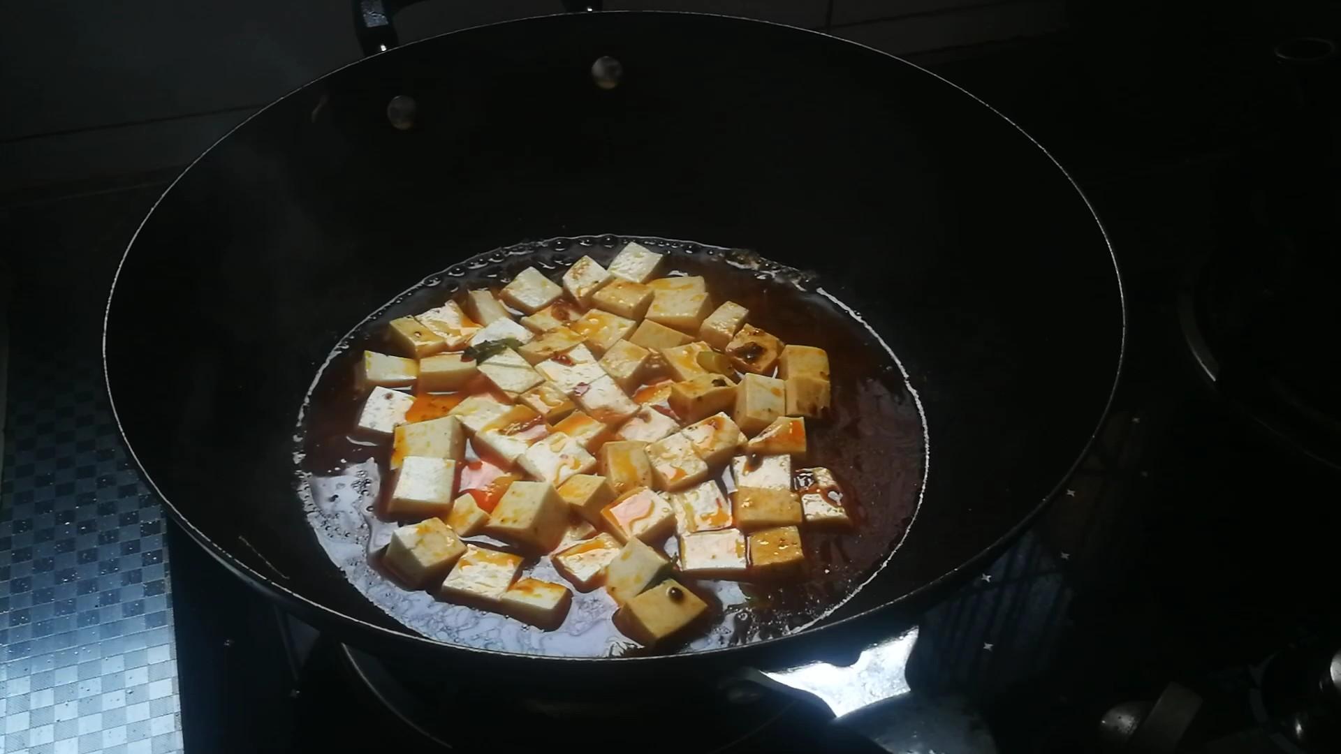 香辣牛肉烧豆腐的家常做法