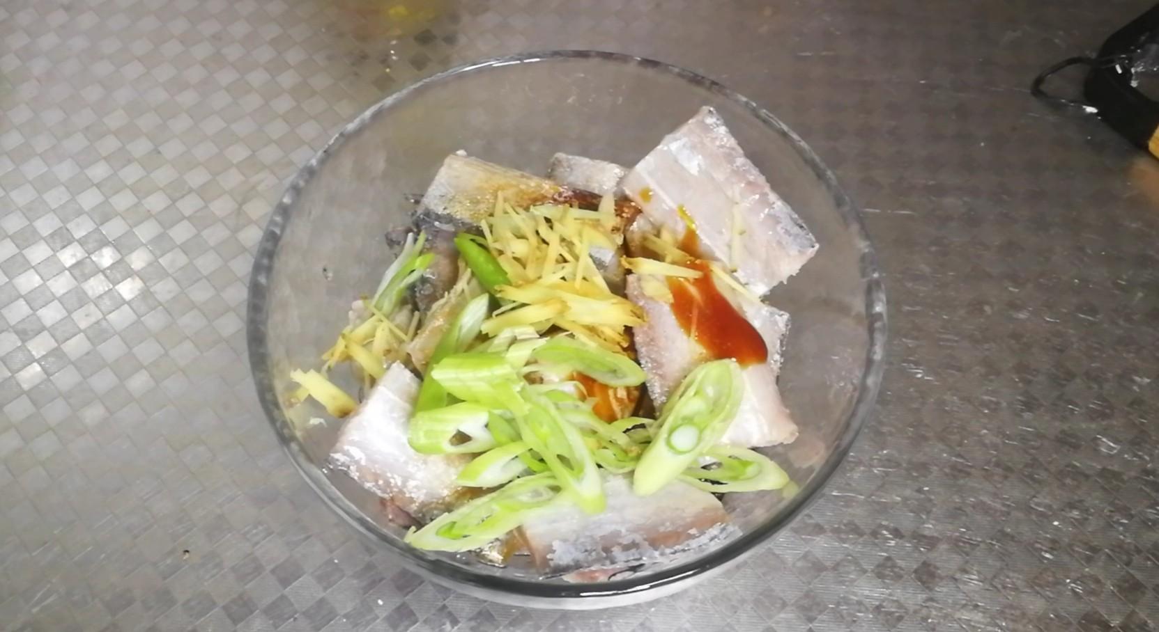 香酥炸带鱼的做法大全