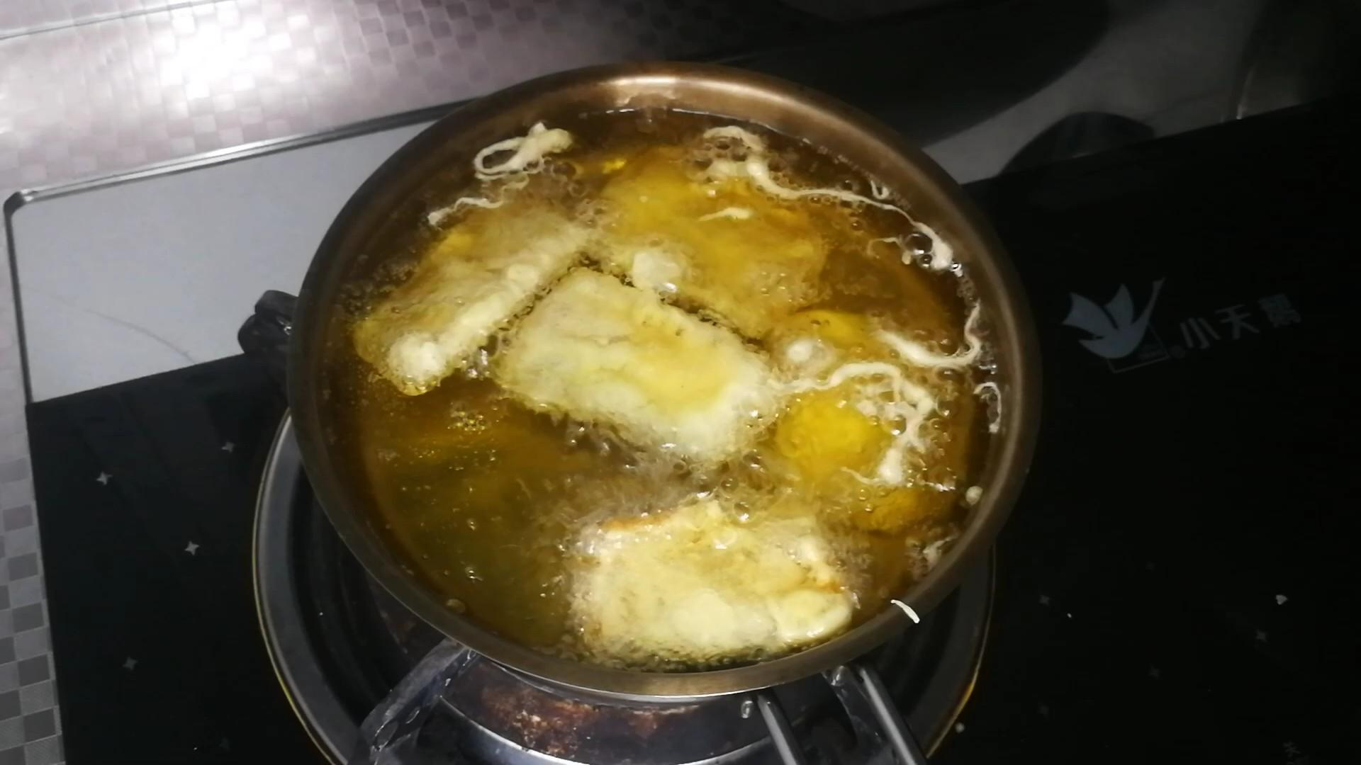 香酥炸带鱼的家常做法