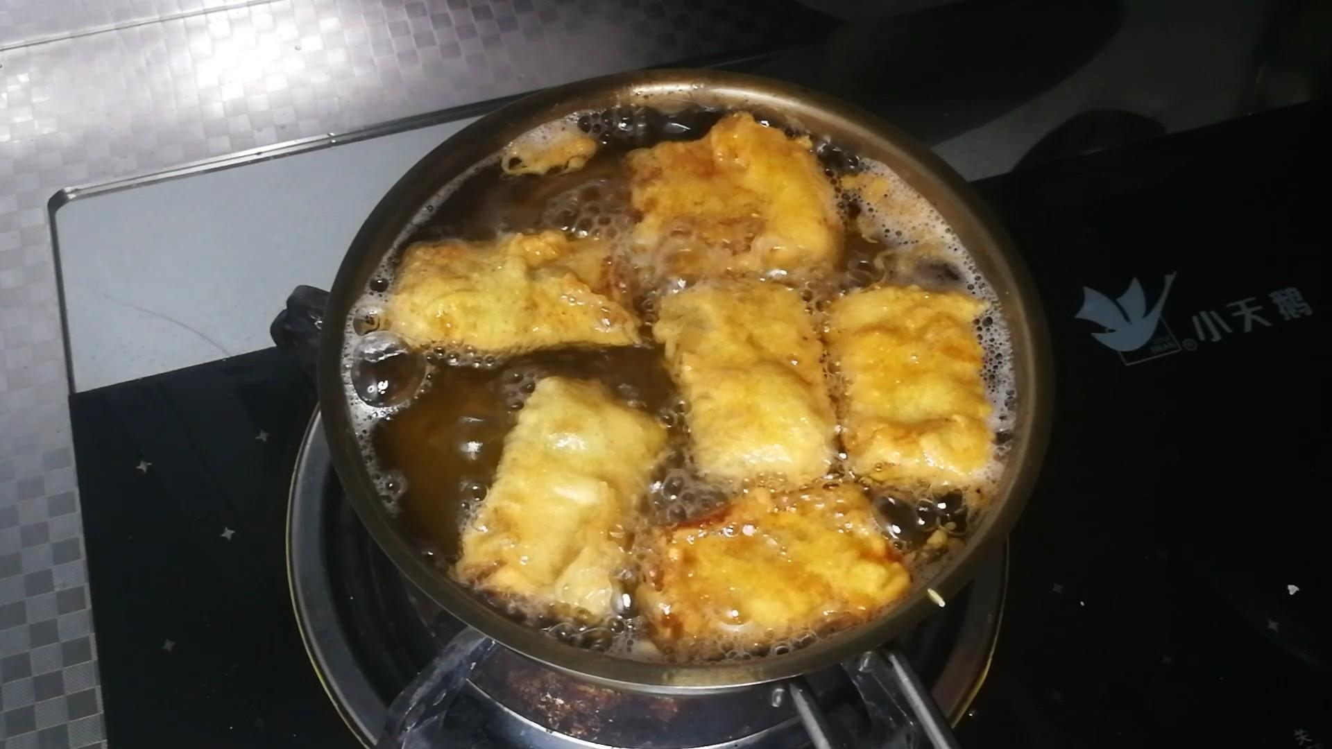 香酥炸带鱼的简单做法