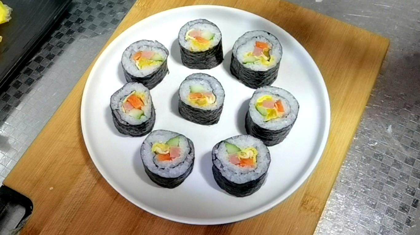 最适合做早餐的快手食谱~咸蛋黄寿司卷怎么炒