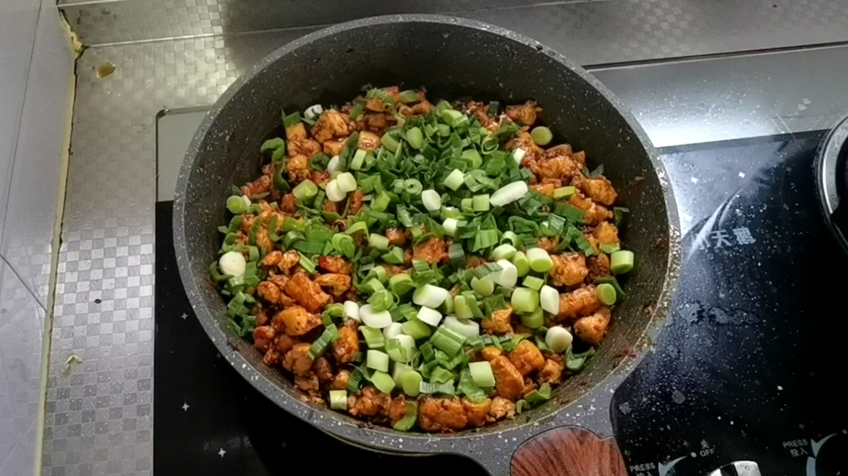 包子的最新吃法~麻婆豆腐馅的简单做法