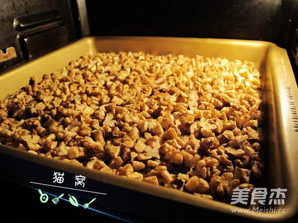 核桃芝麻葡萄枸杞红枣阿胶糕怎么炒