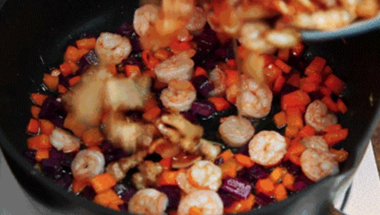 潮汕不仅有好吃的牛肉火锅,还有潮汕炣饭的家常做法