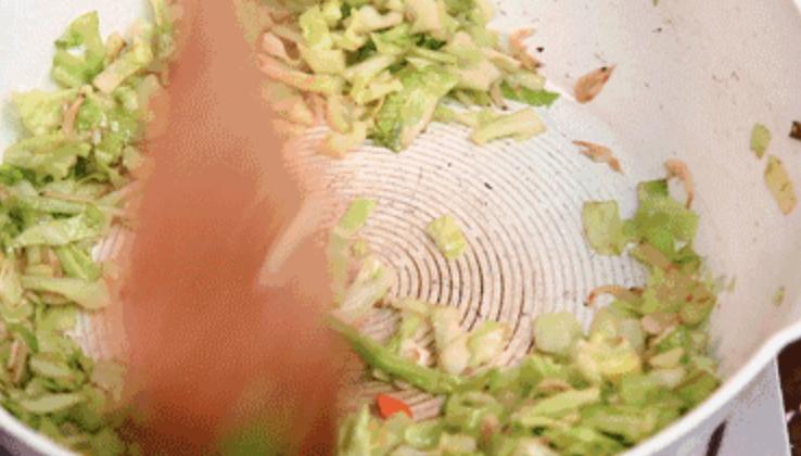 潮汕不仅有好吃的牛肉火锅,还有潮汕炣饭怎么吃