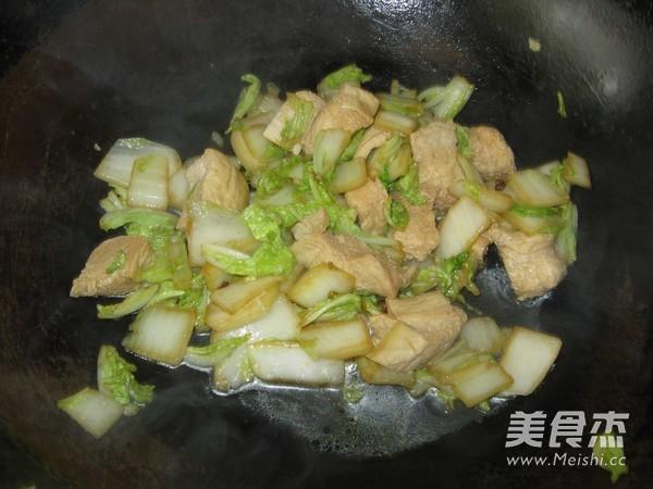 白菜炒冻豆腐怎么炒