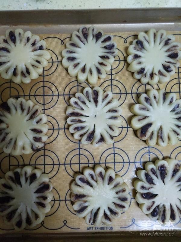 豆沙菊花酥的制作方法