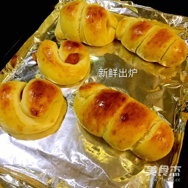 早餐香肠面包的制作