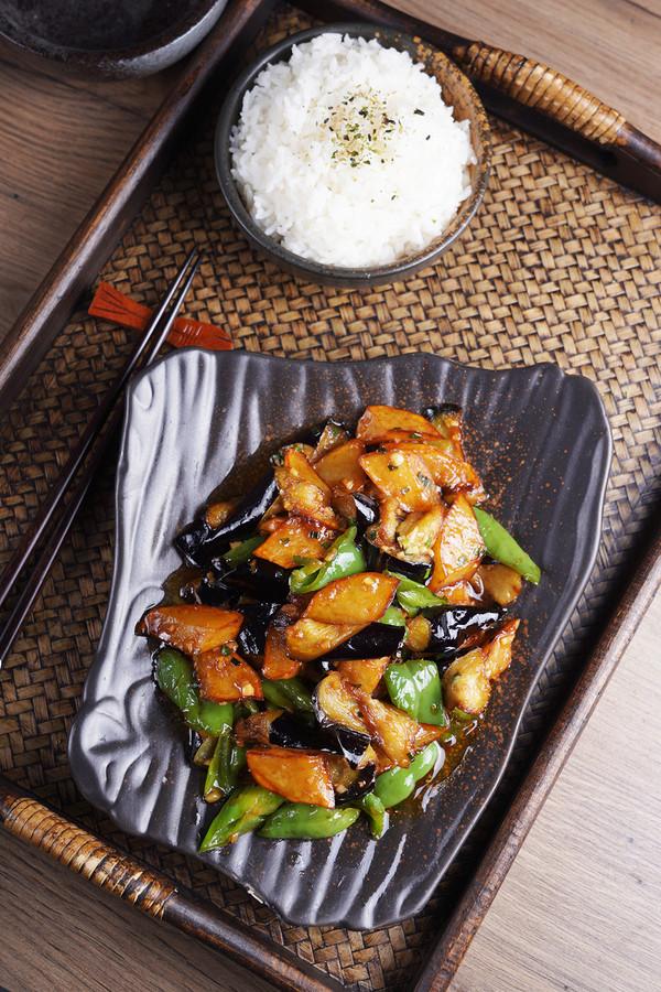 经典的东北家常菜——地三鲜的步骤
