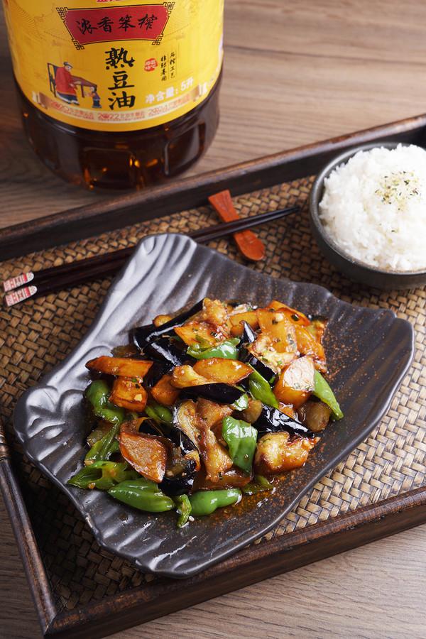 经典的东北家常菜——地三鲜成品图