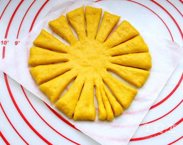 向日葵豆沙面包的制作