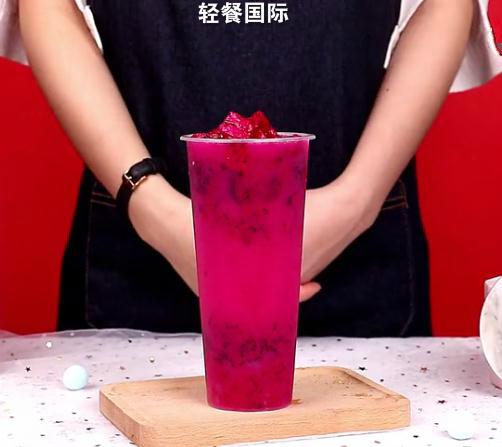 自制网红饮品-火龙果养乐多怎么炖