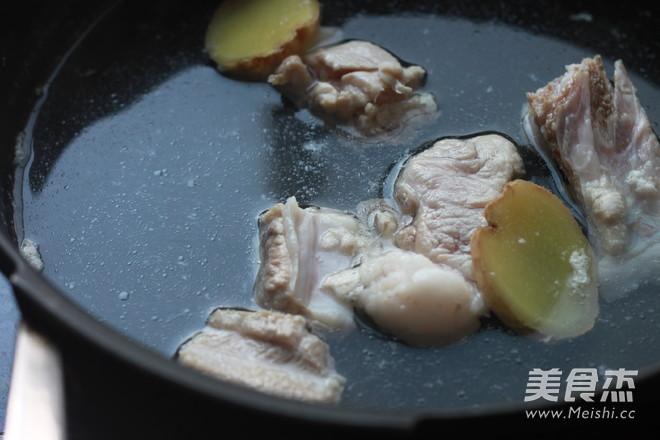 土豆番茄排骨汤的简单做法