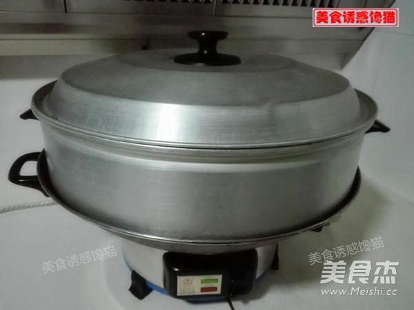 蒸莲藕香芋土豆肉饼的简单做法