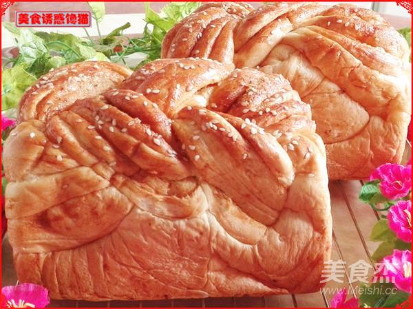 辫子肉松吐司(一次性发酵)成品图