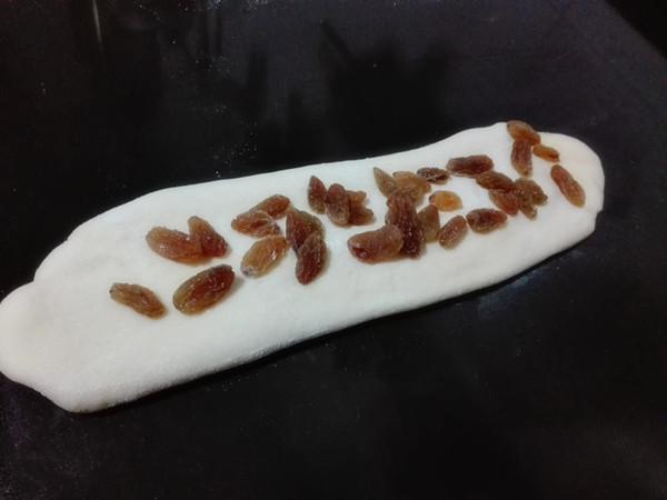 葡萄干吐司(一次性发酵)的步骤