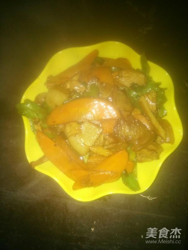 胡萝卜回锅肉怎么炒
