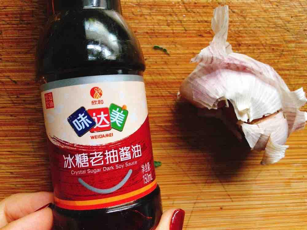 """凉拌黄瓜吃出高级感,上花刀""""盘龙""""迎新怎么炒"""