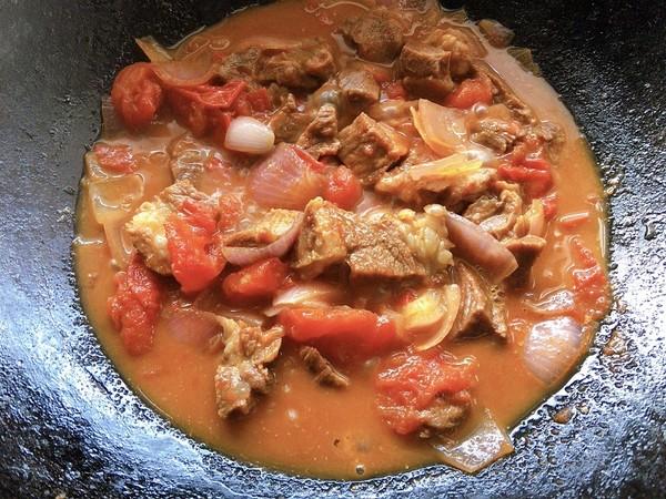 西红柿炖牛腩肉怎样炒