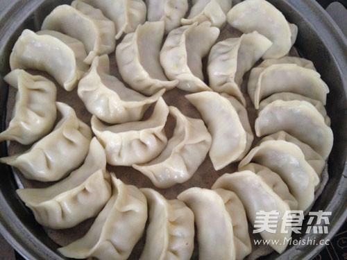 白菜猪肉饺子的制作方法