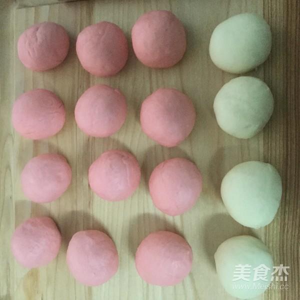 粉色少女梦幻玫瑰花面包的家常做法
