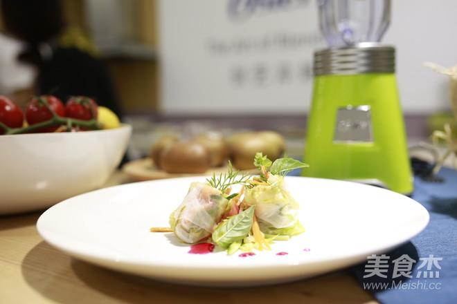 夏日越南明虾沙拉卷成品图