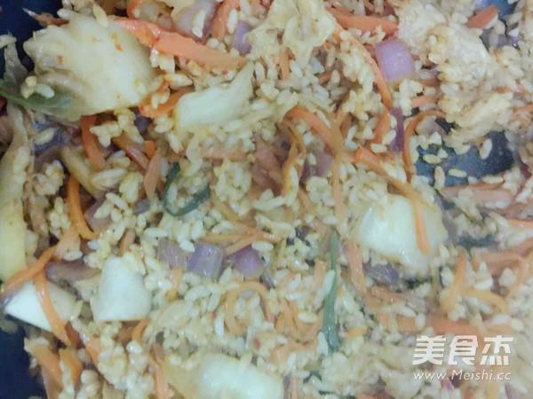 韩式辣白菜炒饭怎么炒
