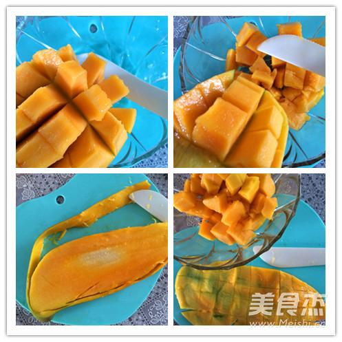 勺子叉子_切芒果的小技巧的做法_切芒果的小技巧怎么做_美食杰