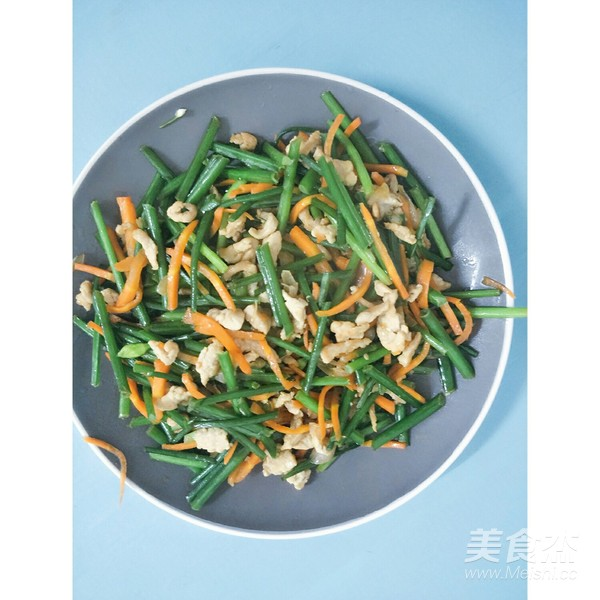 韭菜花炒肉怎么炒