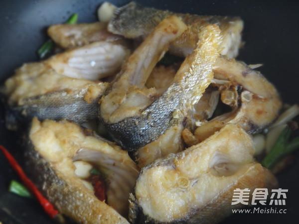蒜香鲢鱼怎么煮