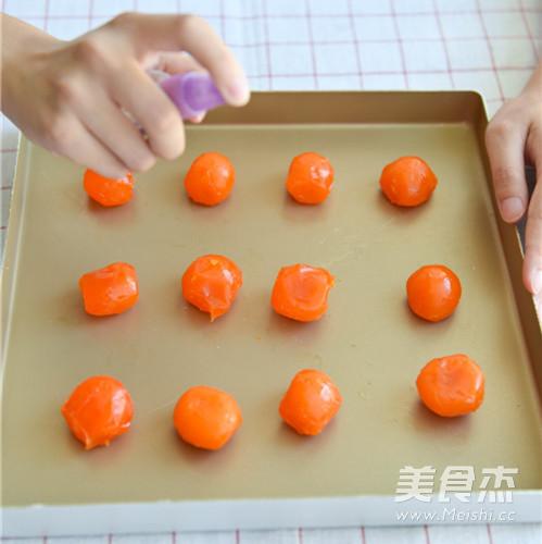 莲蓉双黄月饼的做法大全