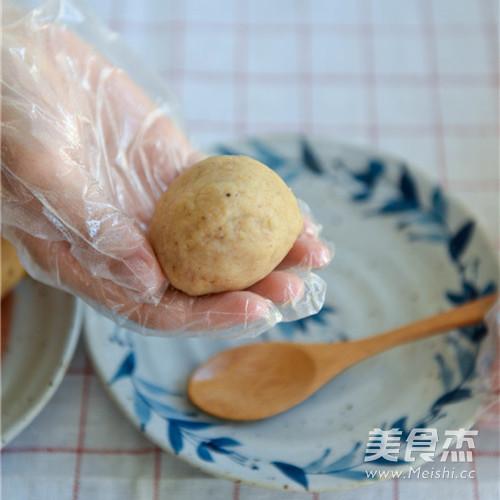 莲蓉双黄月饼怎么吃