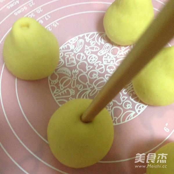 仿真梨--莲蓉包怎么做