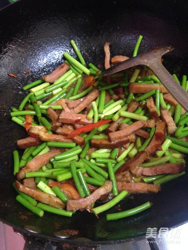 鱼香蒜苔炒腊肉怎么炒