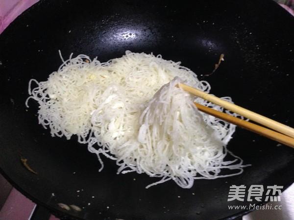 韭菜鸡蛋炒粉丝怎么炒