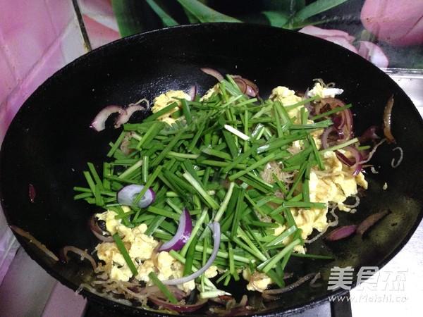 韭菜鸡蛋炒粉丝怎样做