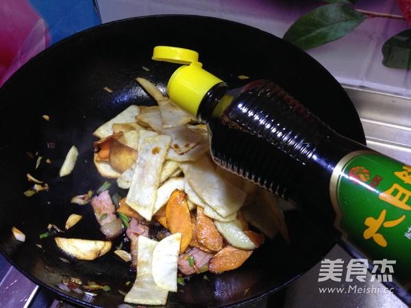 腊肉干锅土豆片怎样炒