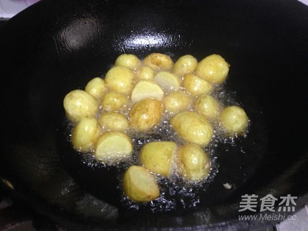 小土豆炖肉怎么煸