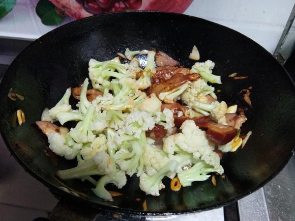孜然腊肉炒菜花怎样煮