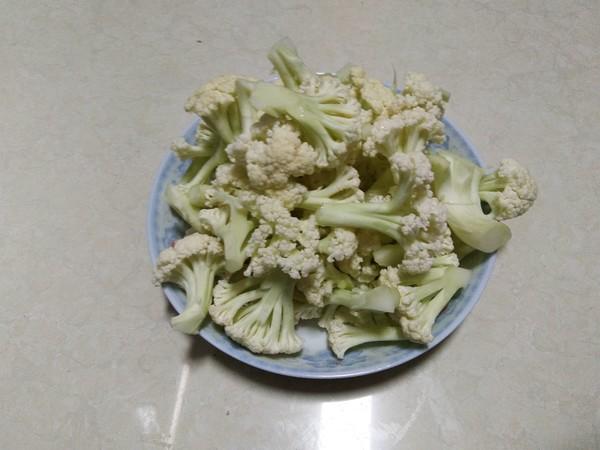 孜然腊肉炒菜花的简单做法