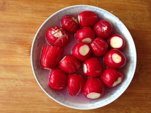 糖醋樱桃萝卜的步骤